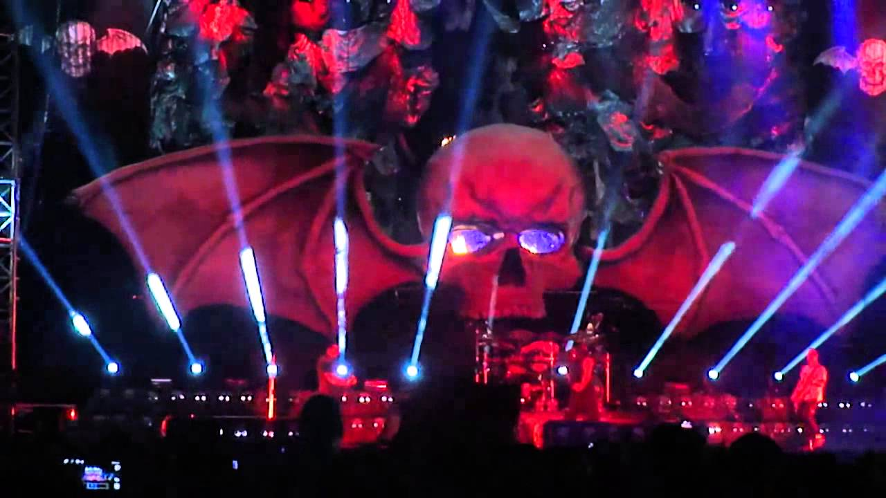 Hail to the king avenged sevenfold live